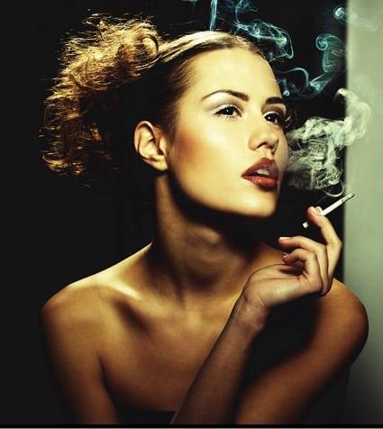 sigara kadın